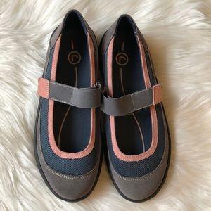 Women's Rockport Mary Jane slip-on flat shoes sz 8